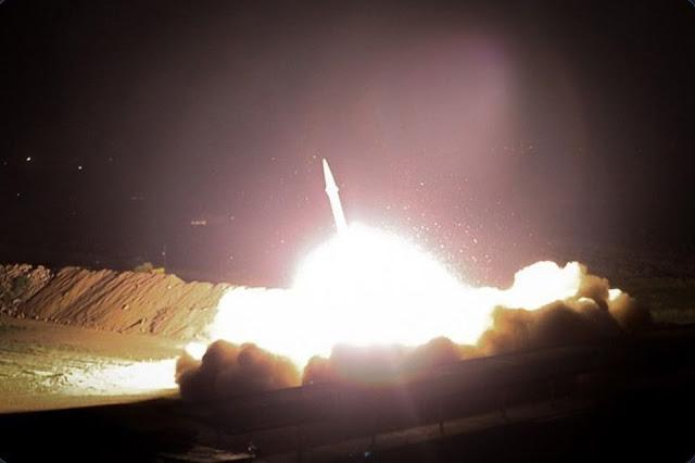 Lực lượng Vệ binh Cách mạng Hồi giáo Iran tấn công vào căn cứ không quân Mỹ