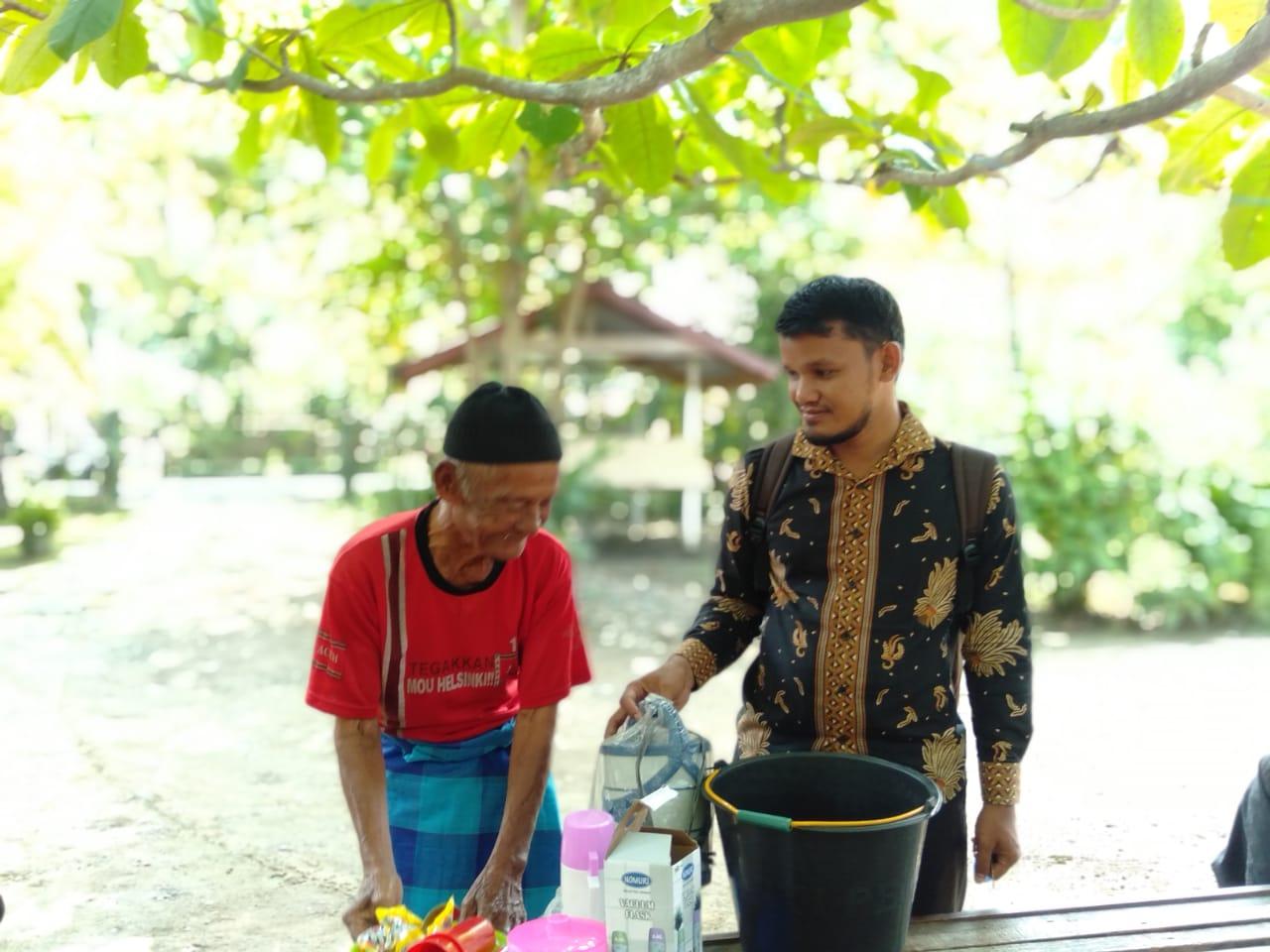 Lembaga Peduli Dhuafa Kembali membuat Tgk. Andip Tersenyum, sambil mengucapkan terimakasih kepada Dermawan yang telah membantunya