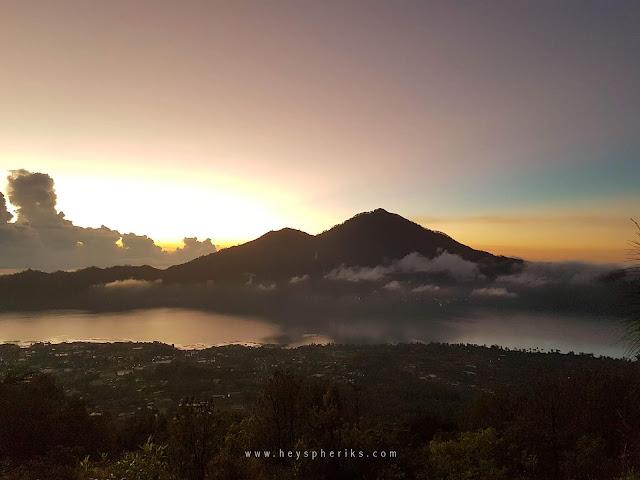 Danau Batur dan Gunung Abang