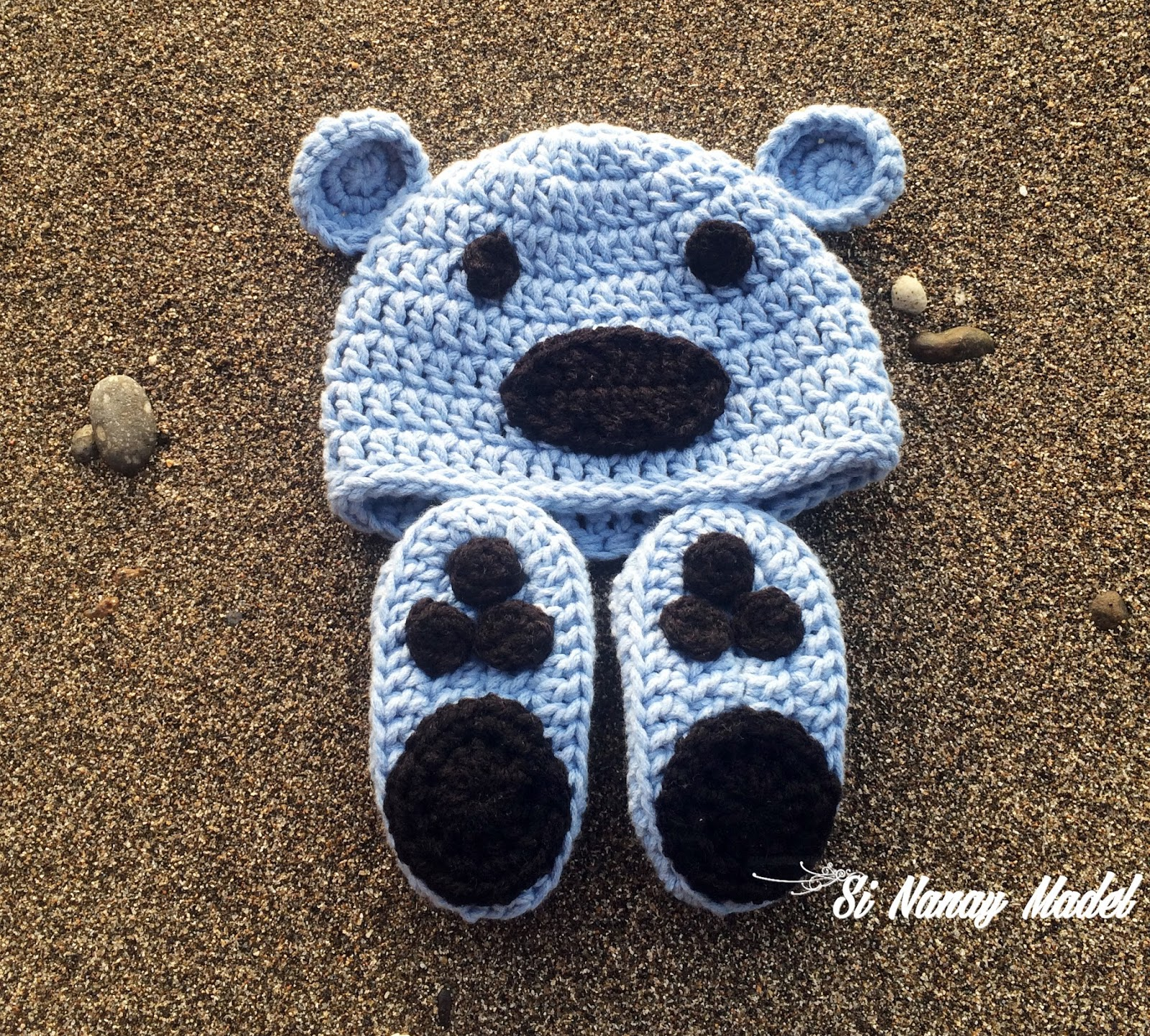 Si Nanay Madel: Newborn Hat and Booties ( boy)