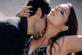 Catch All The Hot Scenes From Bollywood Movie Hottest Bollywood Love Making Scenes Hot Romantic Scene From Bollywood Movies Actresses Who Delivered Hot