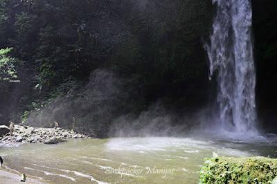 Derasnya Air Terjun Nungnung mengalir - Backpacker Manyar