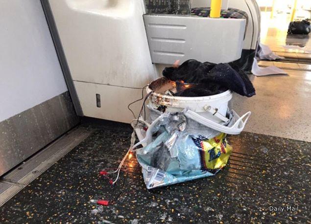 英ロンドン地下鉄車内で爆発、22...