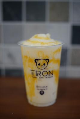 Fruity yakult Tron Cyber, Cafe dan Eatery