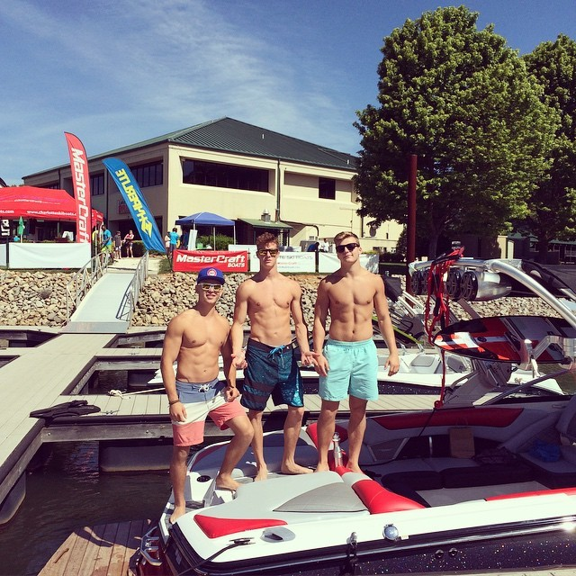 3rd-times-a-charm-college-student-dudes-summer-sea-chillin-fit-college-bros
