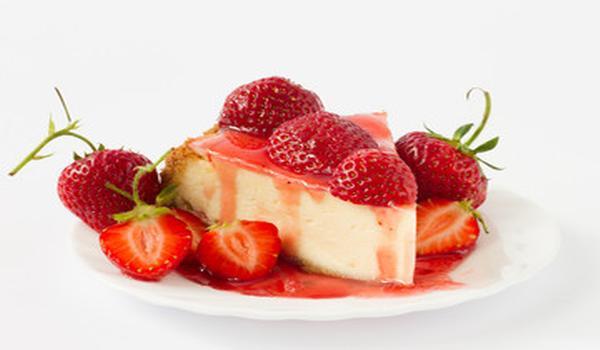 Semifrio con ricotta y fresas