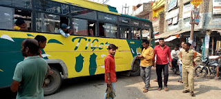 प्राइवेट वाहन चालकों की दबंगई के सामने बौनी मुंगरा थाने की पुलिस | #NayaSaberaNetwork