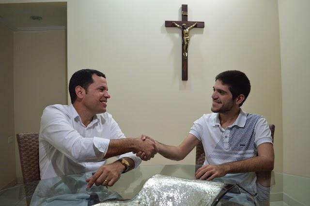 EXCLUSIVO: Carlinhos de Chico concede entrevista ao Blog Coisa Nossa.