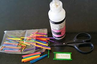 materiales para hacer el cartel que decora la brocha