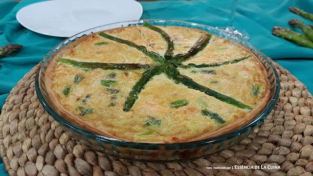 Quiche Esparrecs, Quiche Esparragos, pasta brisa, Salmón, Salmó, cuina facil, cuina saludable, l'essencia de la cuina, blog de cuina de la sonia