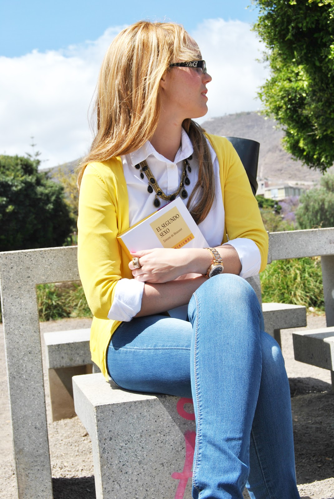 nery hdez, college look, cardigan yellow,