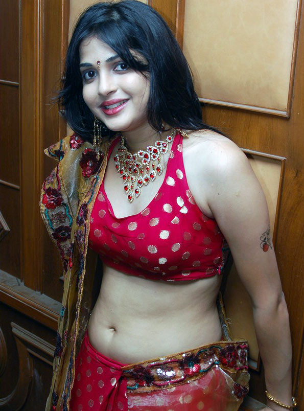 Tamil Aunty X Photos