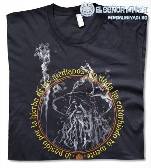 http://www.miyagi.es/camisetas-de-chico/camisetas-de-cine/Camiseta-Gandalf-Hierba-de-los-medianos
