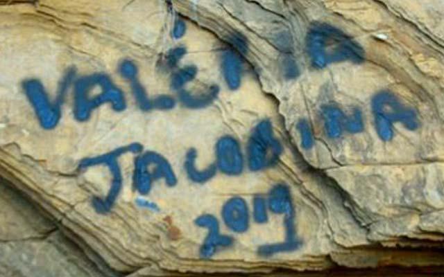 Morro do Chapéu: Pichações na Gruta dos Brejões causam indignação
