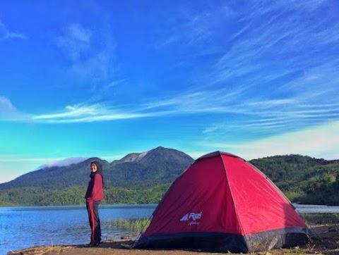 Menghalau Penat di Telaga Sunyi Danau Talang