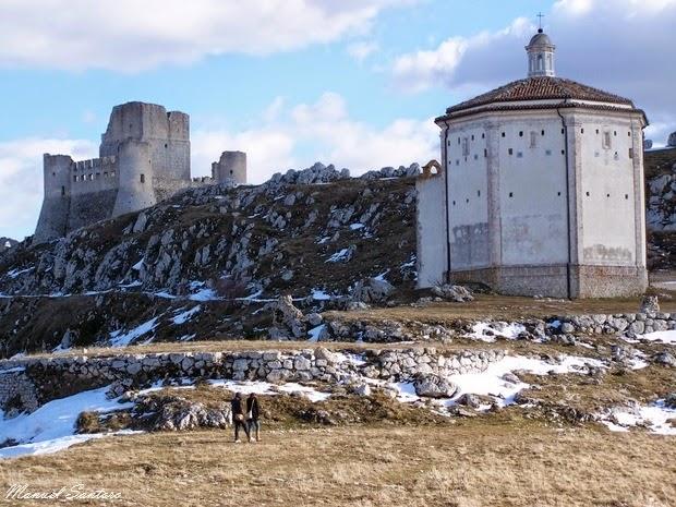 Calascio, la Rocca e Santa Maria della Pietà