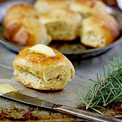 Slow-Cooker Rosemary Dinner Rolls
