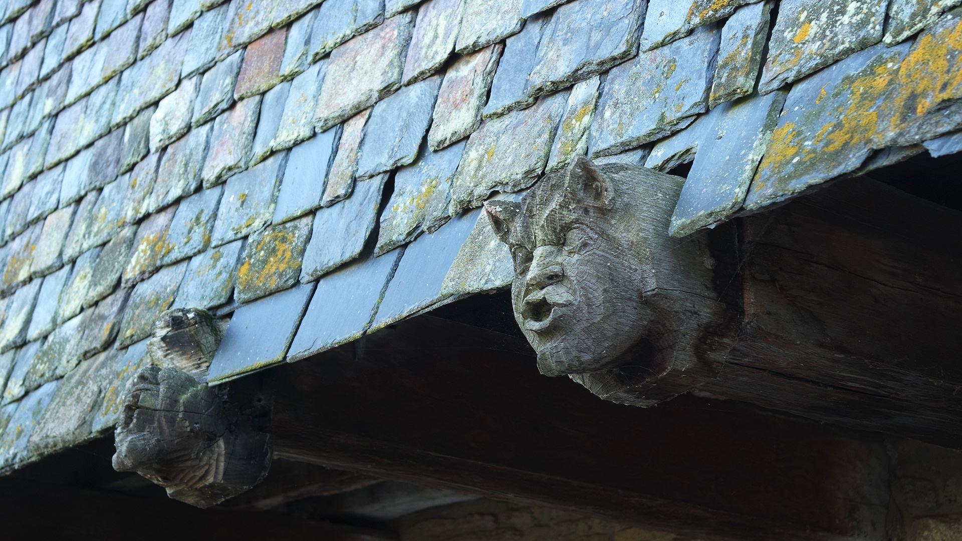 medeval wooden head