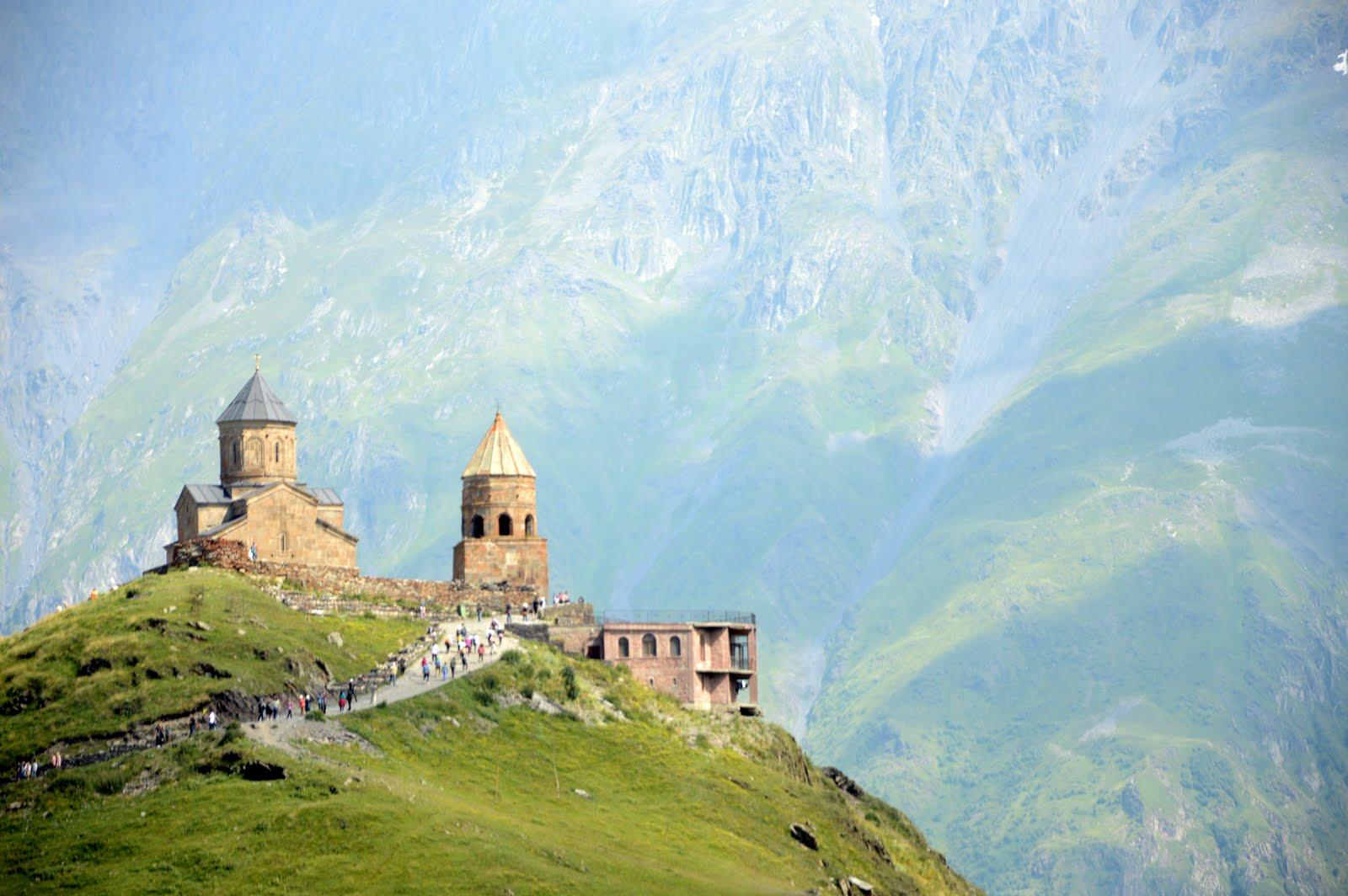 Imagen de monasterio en Kazbegi