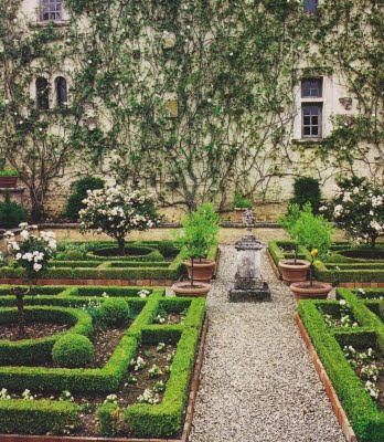 French formal garden style