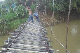 Jembatan Gantung Putus, 20 Tamu Pernikahan Terjun ke Sungai