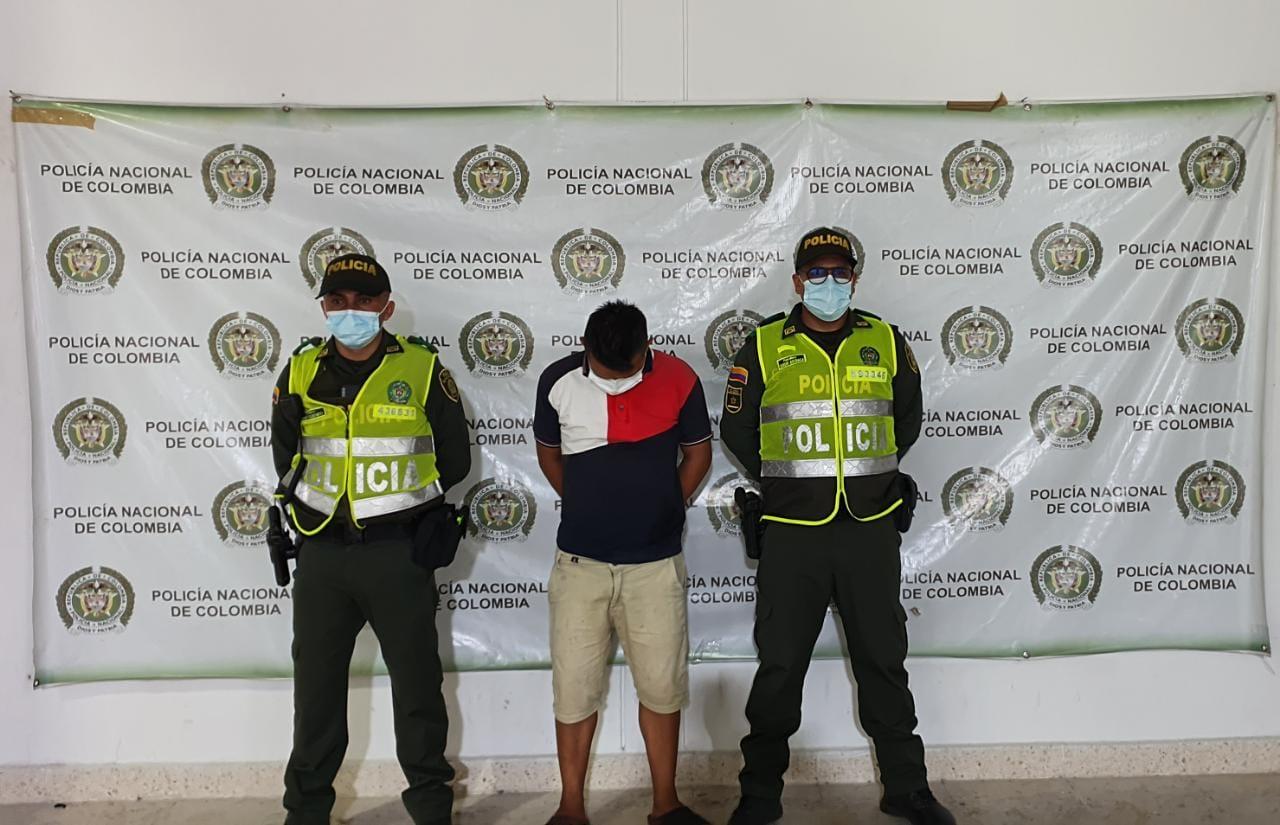 https://www.notasrosas.com/Capturado en Aguachica, hombre que figura en el Cartel de Los Más Buscados en el Cesar