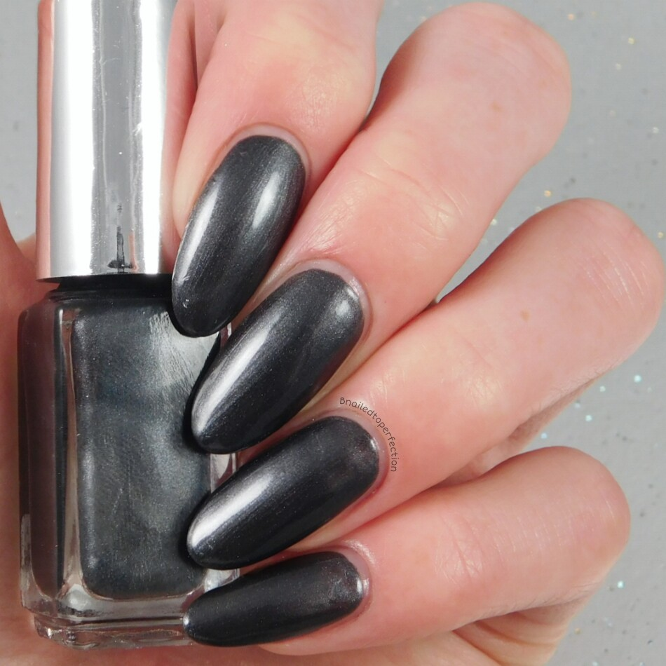 B Nailed To Perfection: NFC nail lights - VS Nail Art review