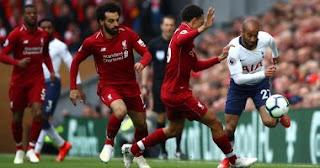 ليفربول يتغلب على توتنهام بصعوبة في الدوري الإنجليزي