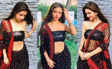 Anaika Soti Host In Strapless Blouse And Saree Photos