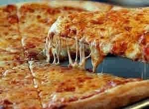 بيتزا بالجبن