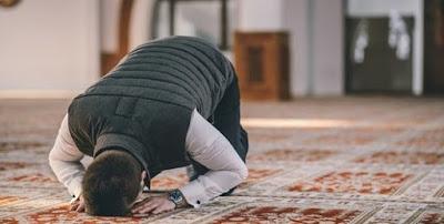 Panduan Lengkap Tata Cara Sholat Taubat Sesuai Syariat