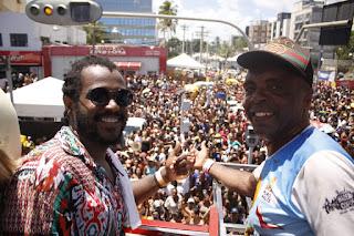 Cantor Sinho Bernado leva o samba do recôncavo e de Santo Antônio de Jesus para o Carnaval de Salvador