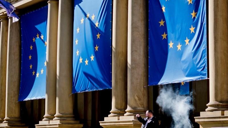 Рост еврозоны замедлится по мере усиления опасений второй волны