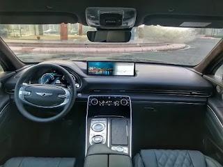 تجربة قيادة سيارة جينيسيس GV80 الفاخرة