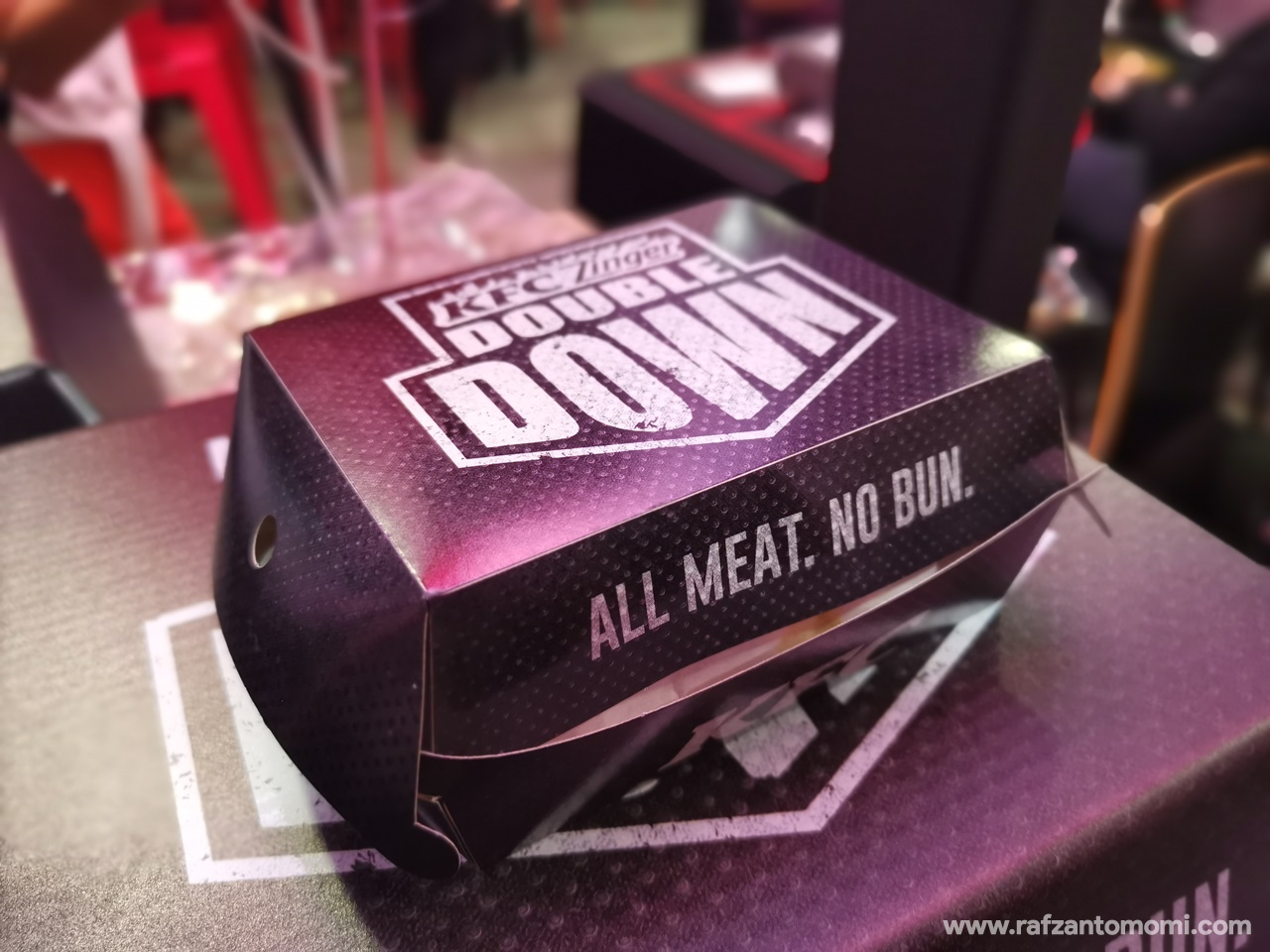 KFC Zinger Double Down Kembali!