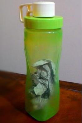 Cara Menghilangkan Bau Atau Noda Pada Botol Plastik