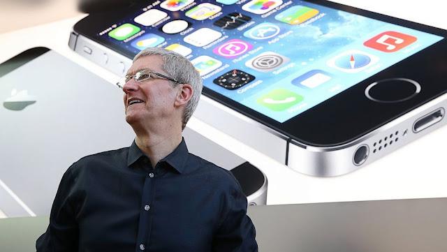 CEO da Apple, se opõe a ordem judicial para ajudar o FBI desbloquear iPhone