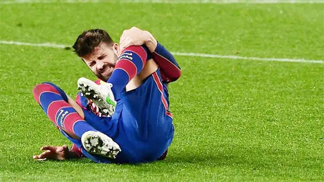 الإصابة تبعد جبرارد بيكيه عن نادي برشلونة