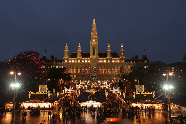 Vienna at Christmas! Photo: Property of Viking Cruises. Unauthorized use is prohibited.