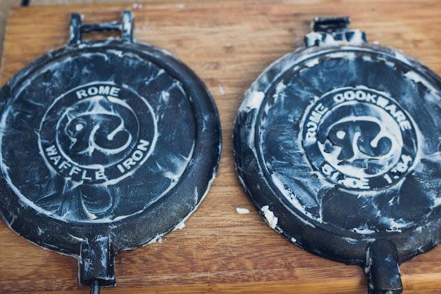 Gear of the Week #GOTW KW 07  ROME Chuckwagon Waffeleisen  Cast-Iron Waffle-Iron  Outdoor-Waffeleisen 10
