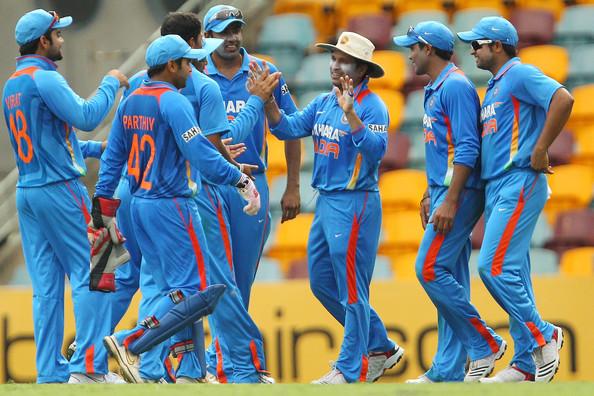 OMGSACHIN: Photos : Sachin Tendulkar During 8th ODI Vs Sri