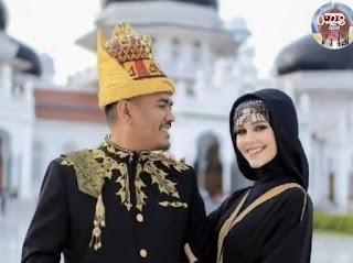 Viral! Wanita Bule Cantik Prancis Jatuh Cinta Pada Pria Aceh lalu Memeluk Islam dan Menikah