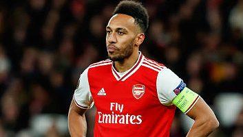 Arsenal vs Olympiacos 1-2 Highlights