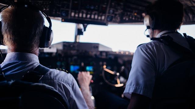 pilihan sekolah pilot di Indonesia