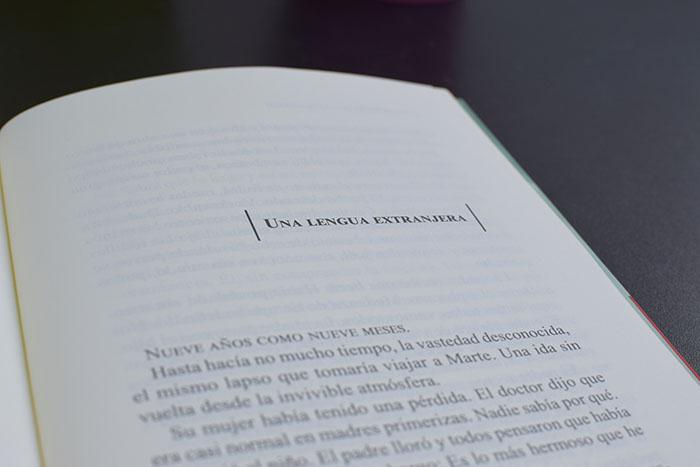 «Geografía de la oscuridad» de Katya Adaui (Páginas de Espuma) es un libro deslumbrante
