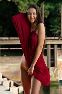 Horny and twerking - alisa_22_04987_4.jpg