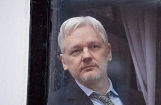 Julian Assange Claims Russia Wasn't Involved in DNC Hack