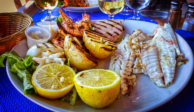kuliner-pantai-ngrenehan