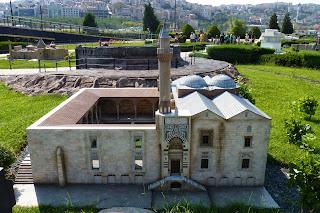 Miniatürk, Mezquita seleúcida de Isa Bey o de Selim.