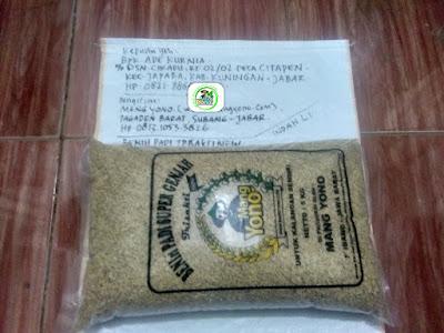 Benih padi yang dibeli    ADE KURNIA Kuningan, Jabar.  (Sebelum packing karung ).